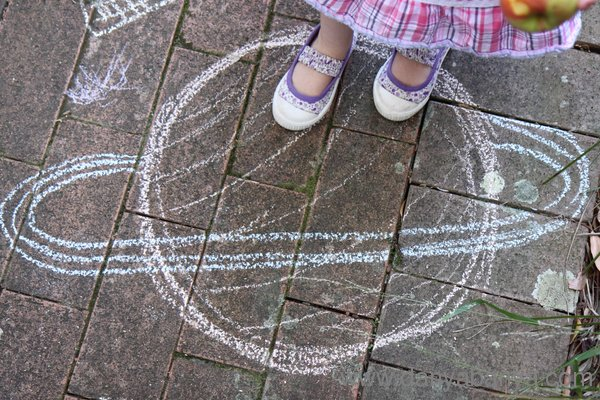 Learning about space with chalk - saturn