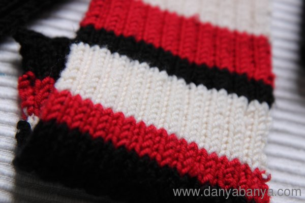 St Kilda AFL red black and white knitted scarf