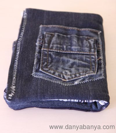 Back of the Kindle Cover with jeans money pocket
