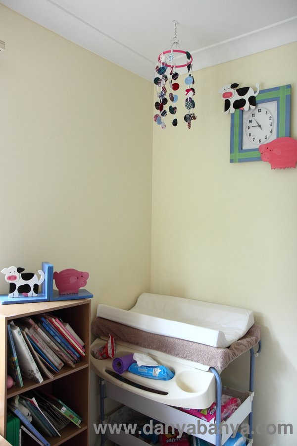 ... Are Hung Above The Change Table Instead Of Above The Cot. Something  Pretty (and High Contrast) For Them To Look At Whilst Getting Their Nappy  Changedu2026