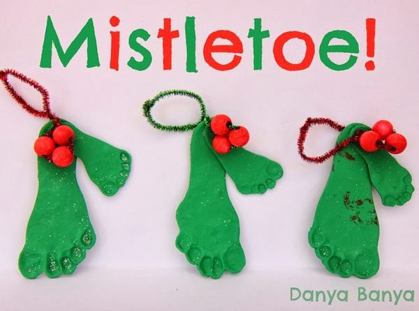 mistletoe diy christmas footprint craft