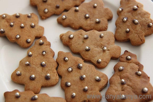 Christmas tree decorated gingerbread biscuits